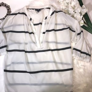 ❤️5/$25 Tunic White and Black Old Navy